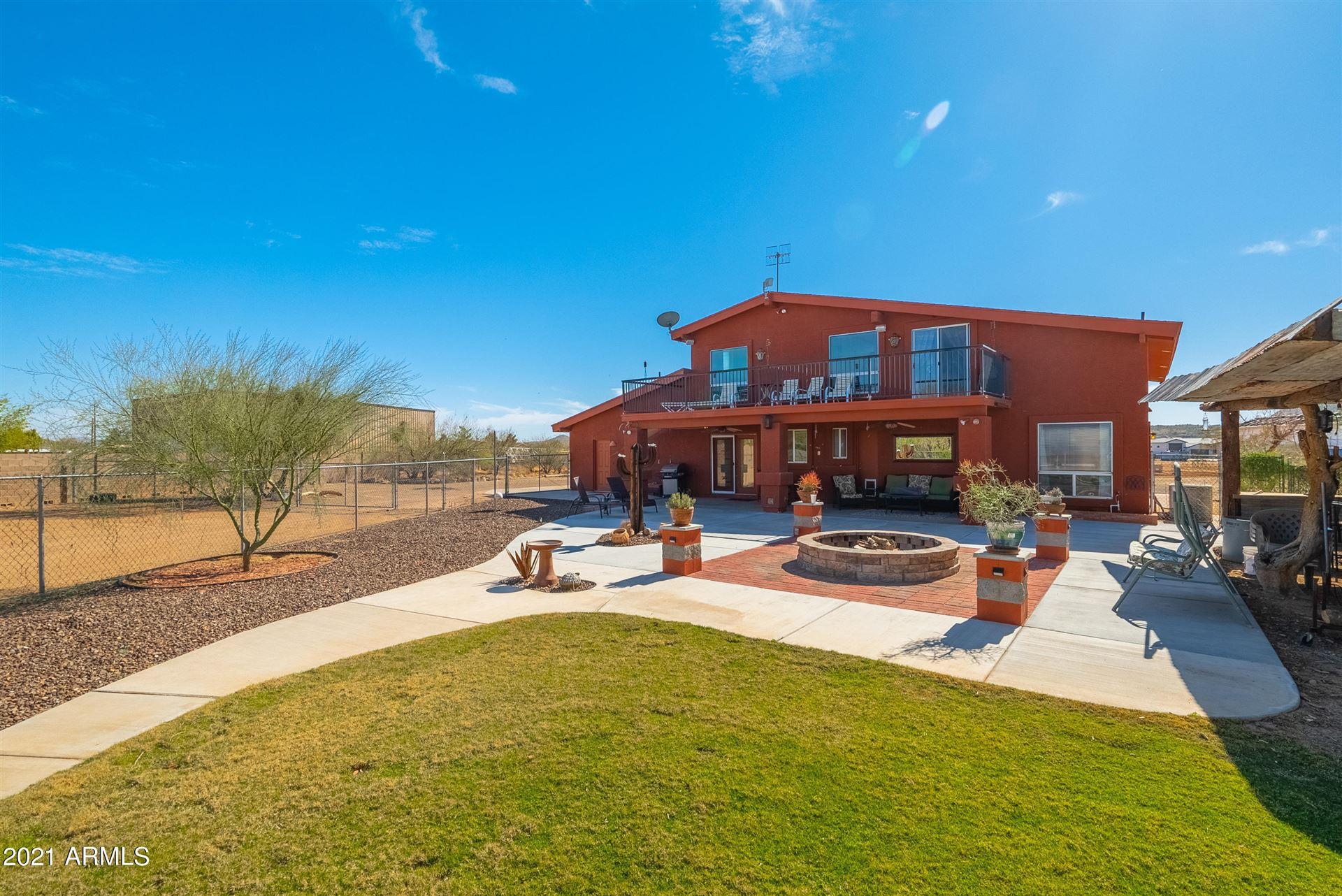 Photo of 906 W CARLISE Road, Phoenix, AZ 85086 (MLS # 6197951)