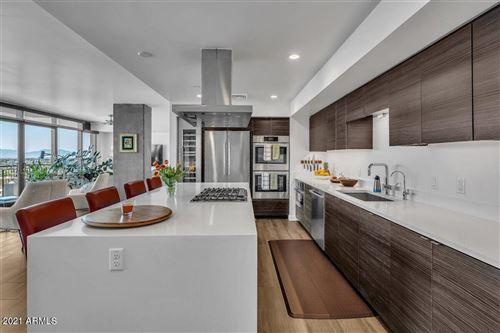 Photo of 200 W PORTLAND Street #1117, Phoenix, AZ 85003 (MLS # 6231953)