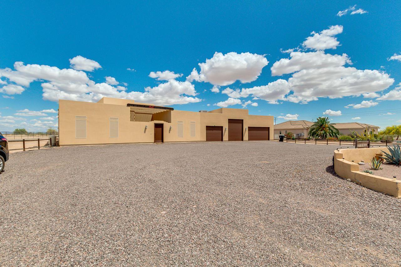 Photo of 28219 N 210TH Avenue, Wittmann, AZ 85361 (MLS # 6228957)