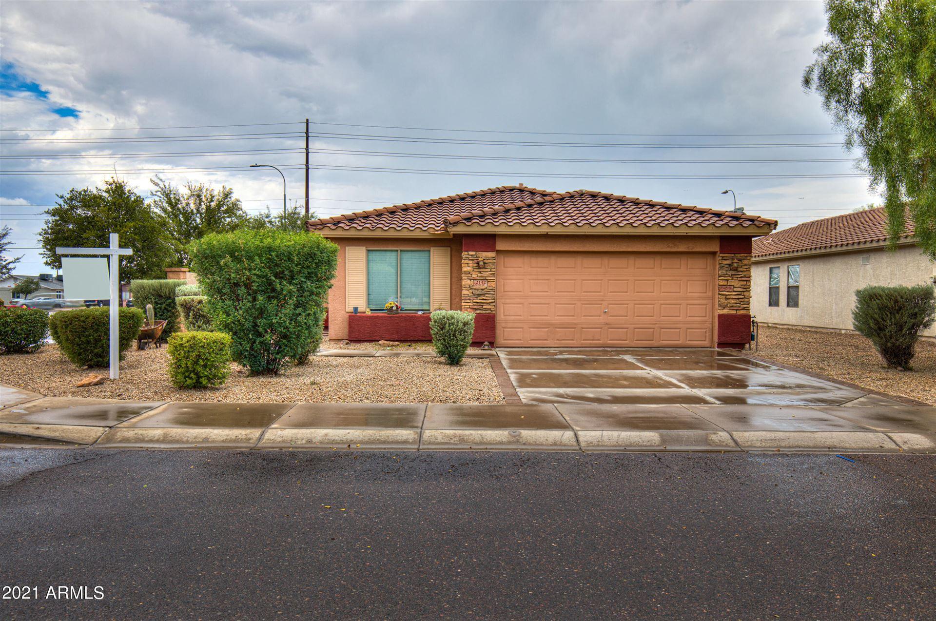Photo of 2142 W PLEASANT Lane, Phoenix, AZ 85041 (MLS # 6295959)