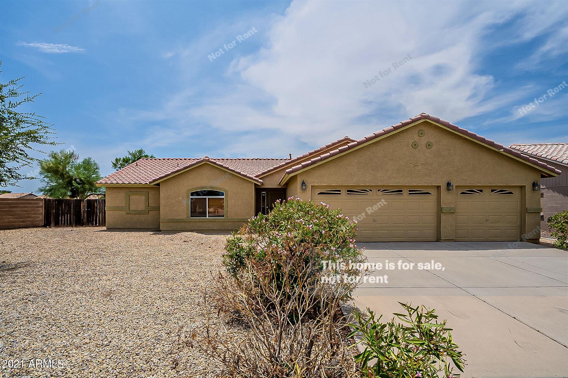 Photo of 1333 W 14TH Avenue, Apache Junction, AZ 85120 (MLS # 6267961)