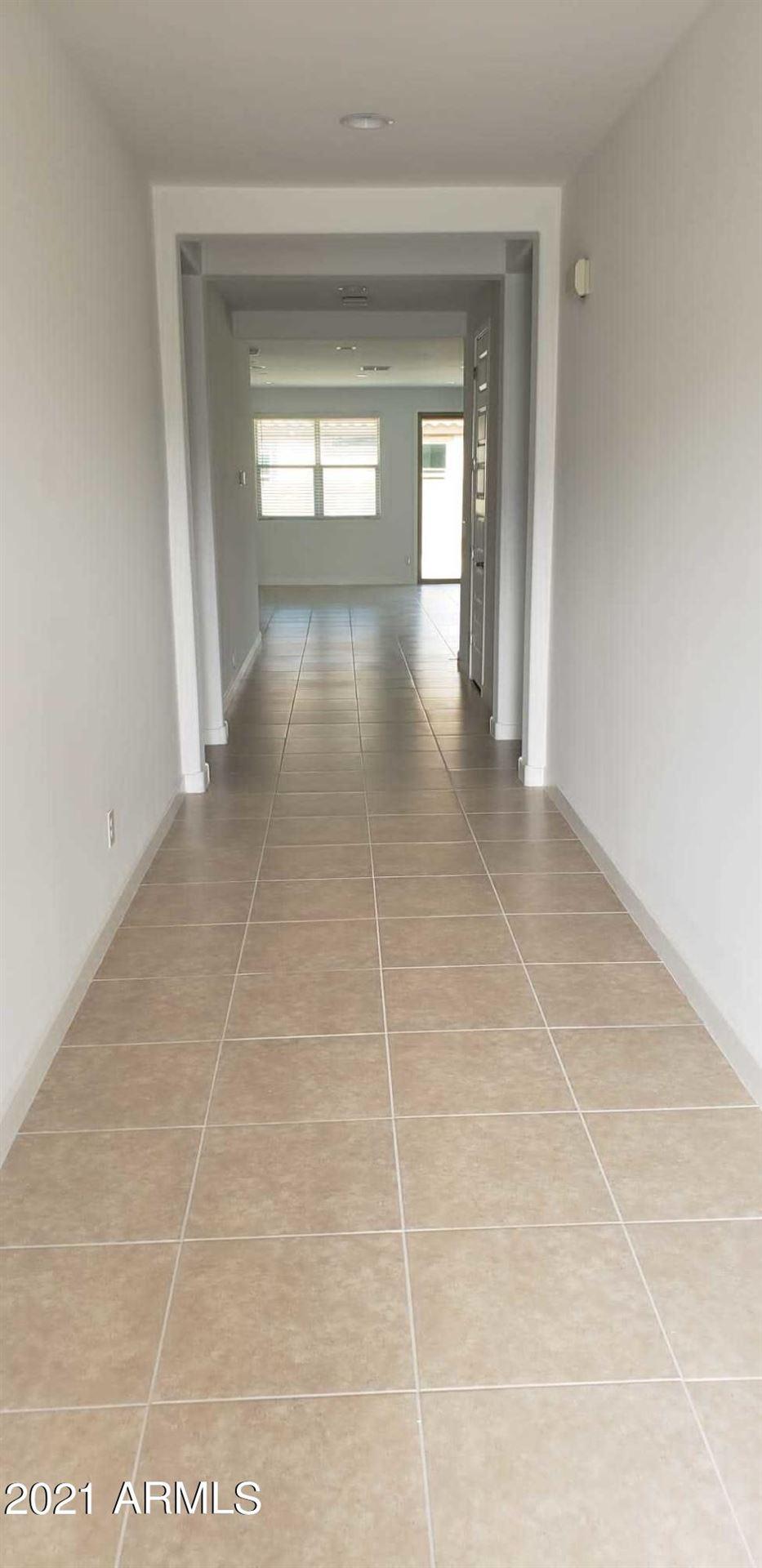 Photo of 5807 N 196TH Lane, Litchfield Park, AZ 85340 (MLS # 6271965)