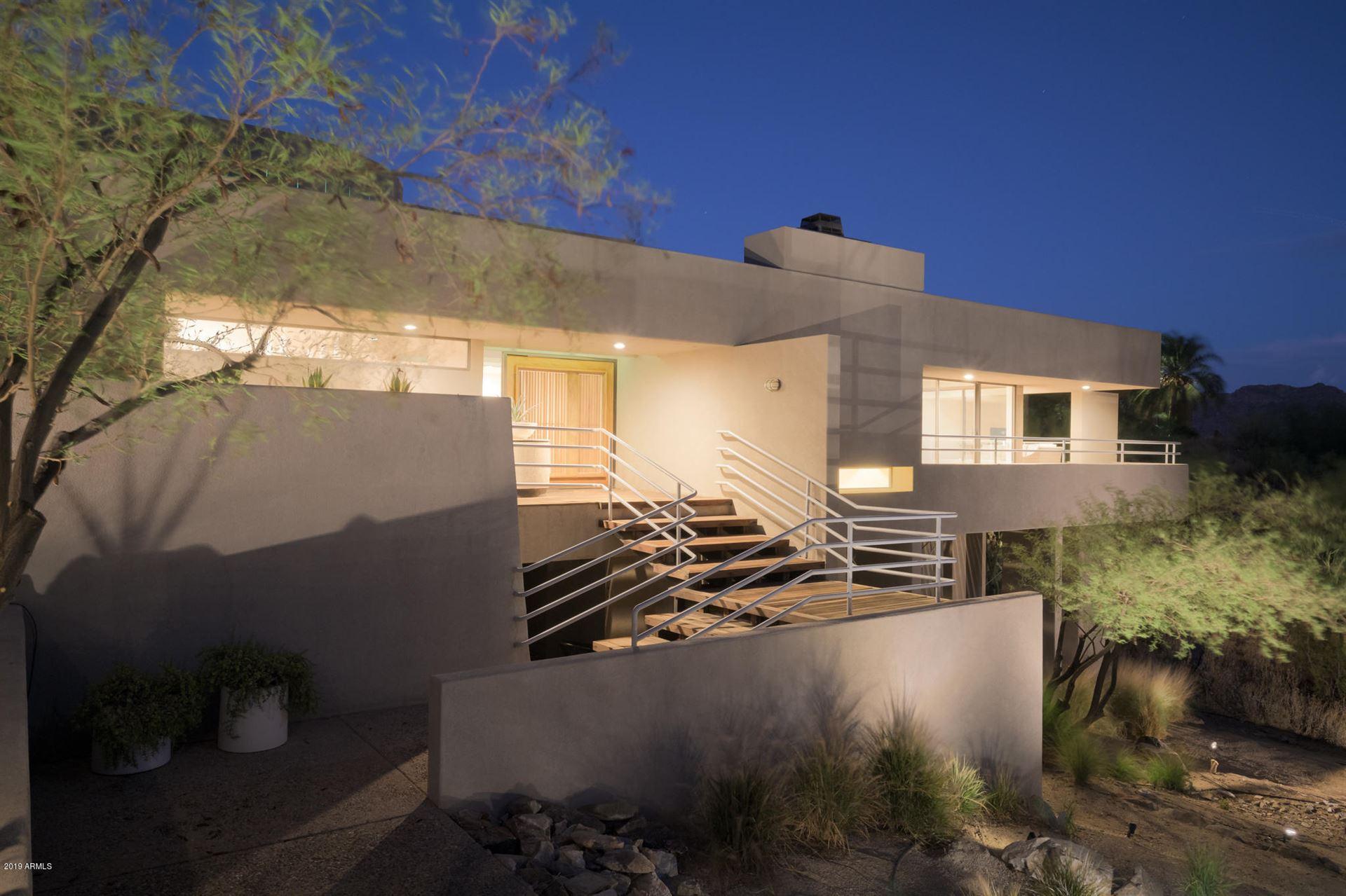 Photo of 7417 N Red Ledge Drive, Paradise Valley, AZ 85253 (MLS # 6250976)