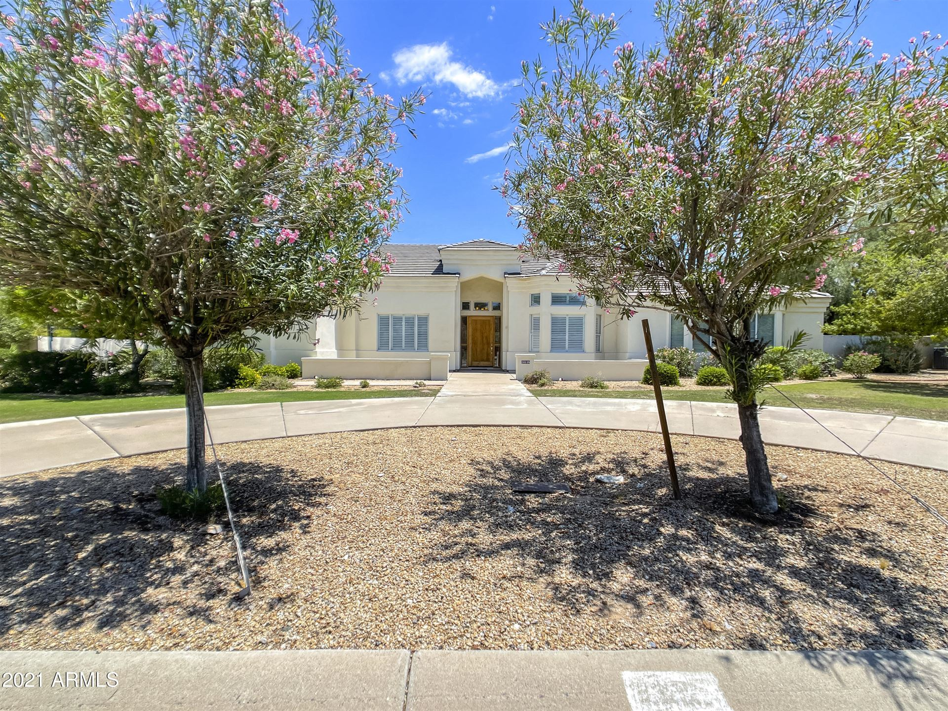 Photo of 10335 N 49TH Place, Paradise Valley, AZ 85253 (MLS # 6267997)