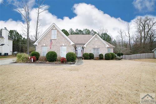 Photo of 2031 Vintage Oaks Drive, Loganville, GA 30052 (MLS # 980077)