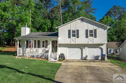 Photo of 512 Pebble Point Drive, Loganville, GA 30052 (MLS # 981397)