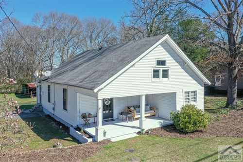 Photo of 2002 Broad Street, Statham, GA 30666 (MLS # 973668)