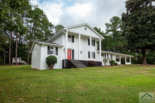 Photo of 335 Lakeview Drive SW, Winder, GA 30680 (MLS # 983929)