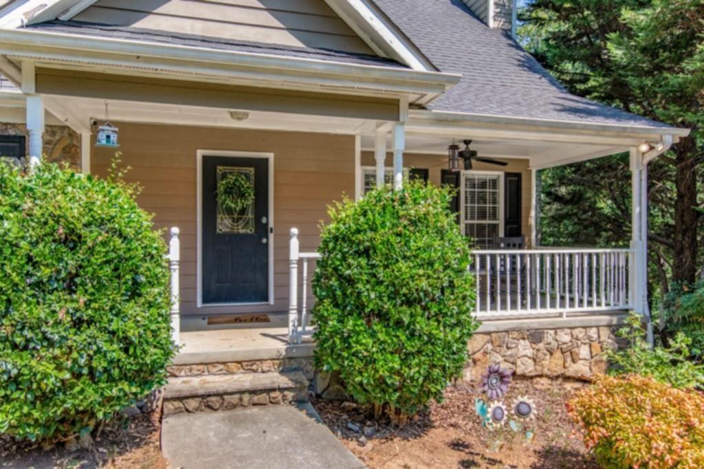 Photo of 6459 Ivy Springs Drive, Flowery Branch, GA 30542 (MLS # 6800015)