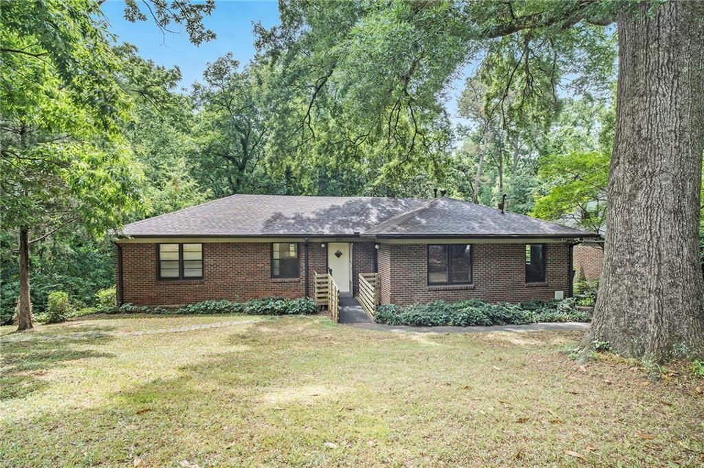 Photo of 693 N Parkwood Road, Decatur, GA 30030 (MLS # 6897046)