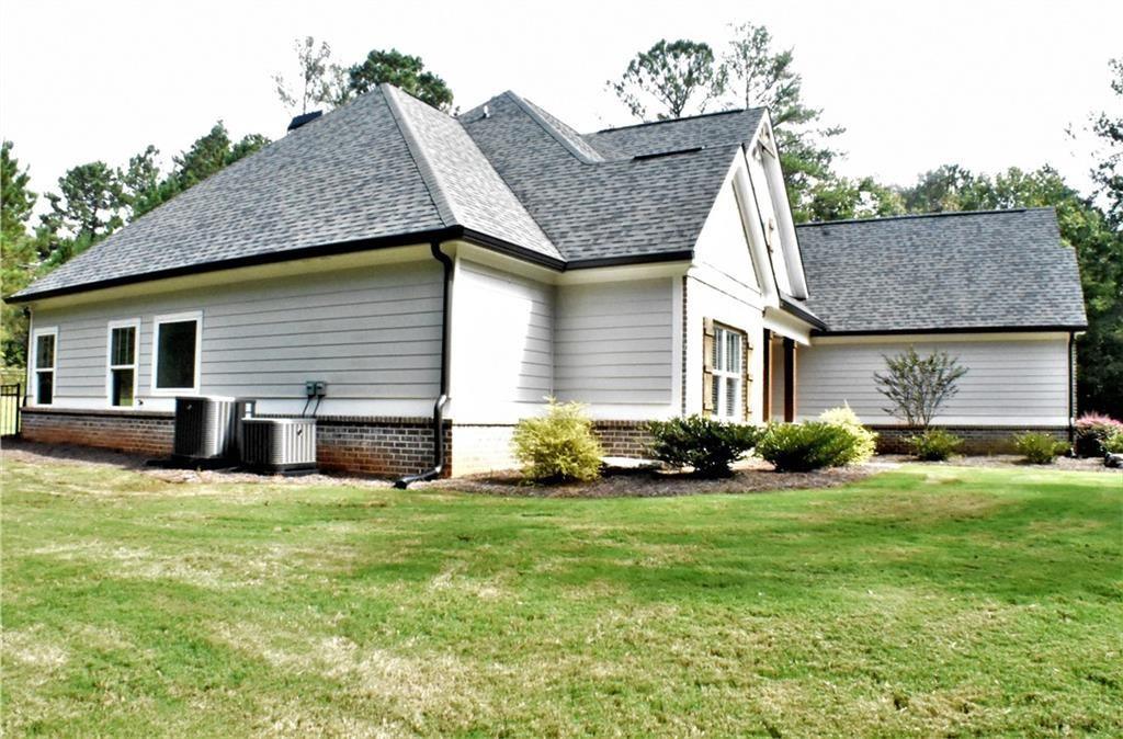 Photo of 312 Cresent Drive, Forsyth, GA 31029 (MLS # 6960065)