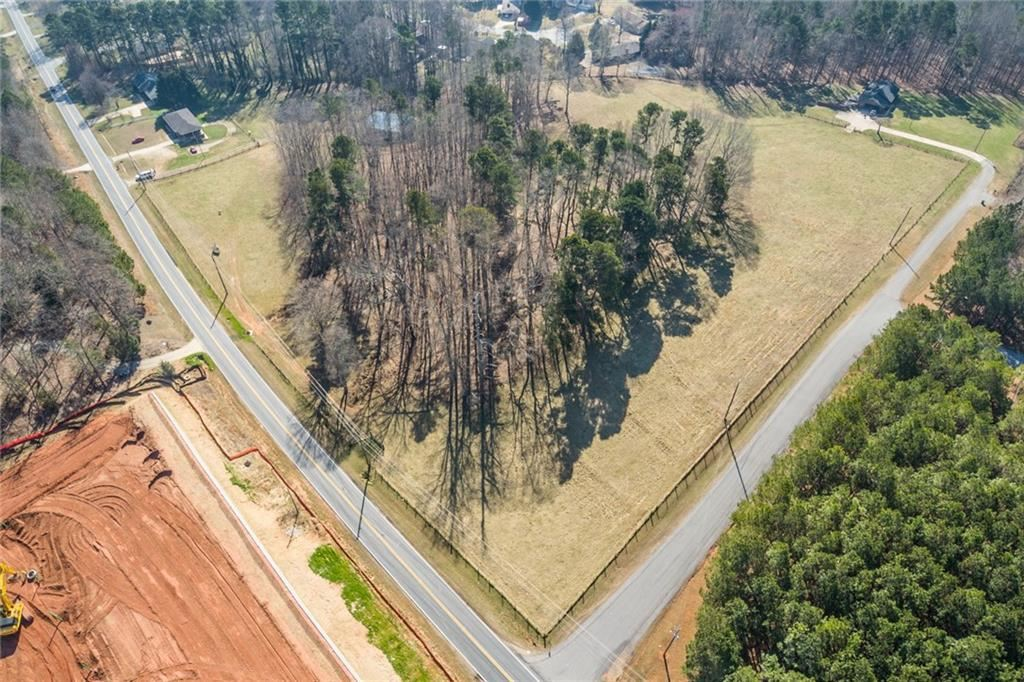 Photo of 4105 Flat Creek Road, Oakwood, GA 30566 (MLS # 6846087)