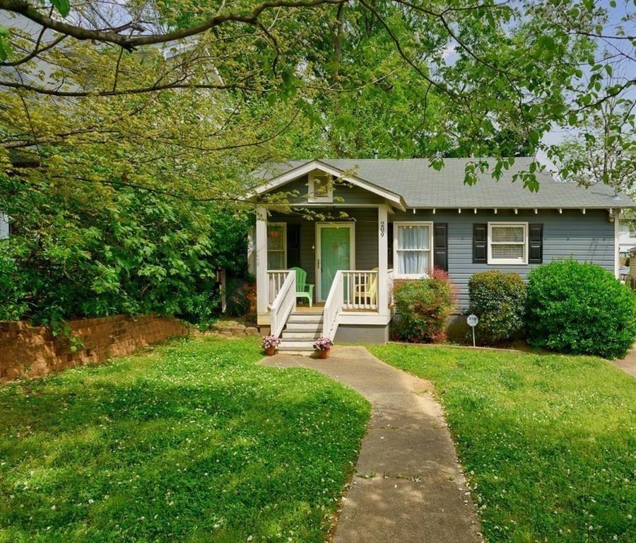 Photo of 209 Whitefoord Avenue NE, Atlanta, GA 30307 (MLS # 6868149)