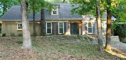 Photo of 70 Martin Point Court, Roswell, GA 30076 (MLS # 6721172)
