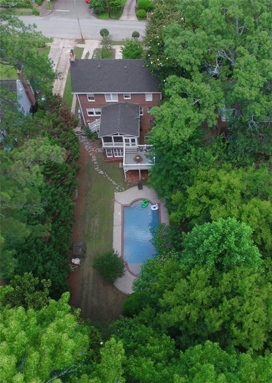 Photo of 137 E Lake Drive SE, Atlanta, GA 30317 (MLS # 6739173)