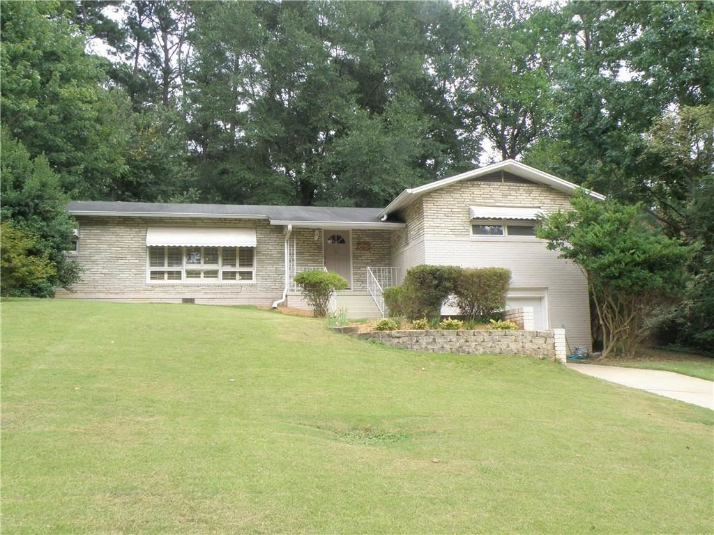 Photo for 3833 Longview Drive, Chamblee, GA 30341 (MLS # 6608195)