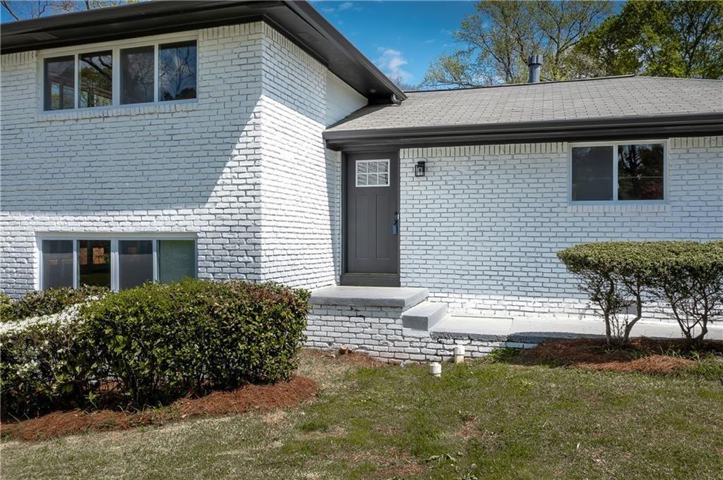 Photo of 2310 Willowdale Circle SE, Atlanta, GA 30316 (MLS # 6863216)
