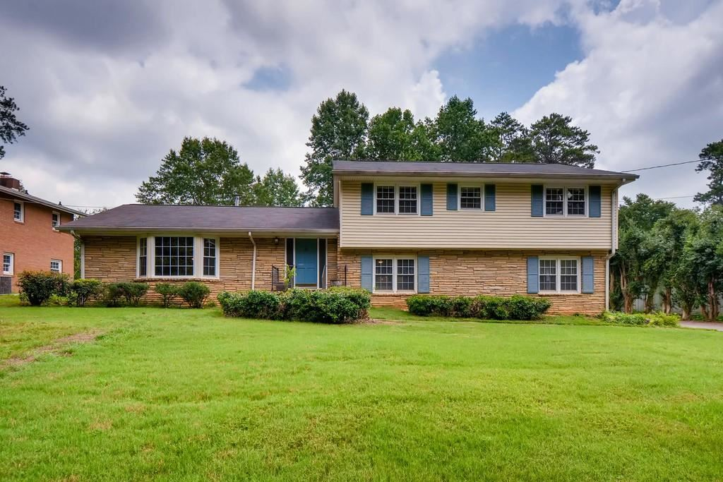 Photo for 5136 Davantry Drive, Dunwoody, GA 30338 (MLS # 6584231)