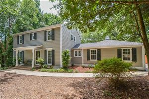 Photo of 2824 Fontainebleau Drive, Dunwoody, GA 30360 (MLS # 6619235)
