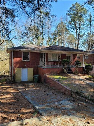 Photo of 823 Fairburn Road NW, Atlanta, GA 30331 (MLS # 6846304)