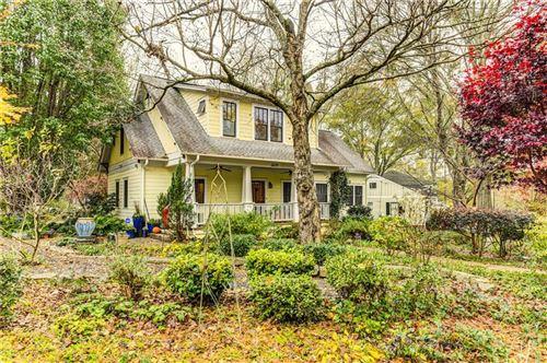 Photo of 2655 Appian Way, Decatur, GA 30030 (MLS # 6810352)
