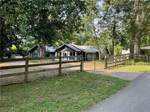 Photo of 915 Homer Road, Woodstock, GA 30188 (MLS # 6923372)
