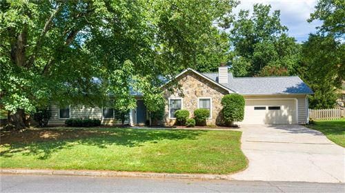 Photo of 100 Truehedge Trace, Roswell, GA 30076 (MLS # 6762381)