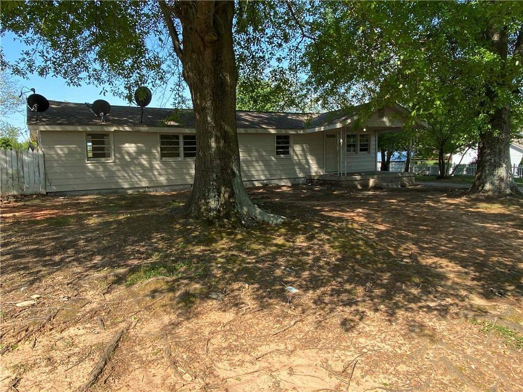 Photo of 2335 Ridgeway Drive, Gainesville, GA 30504 (MLS # 6868381)