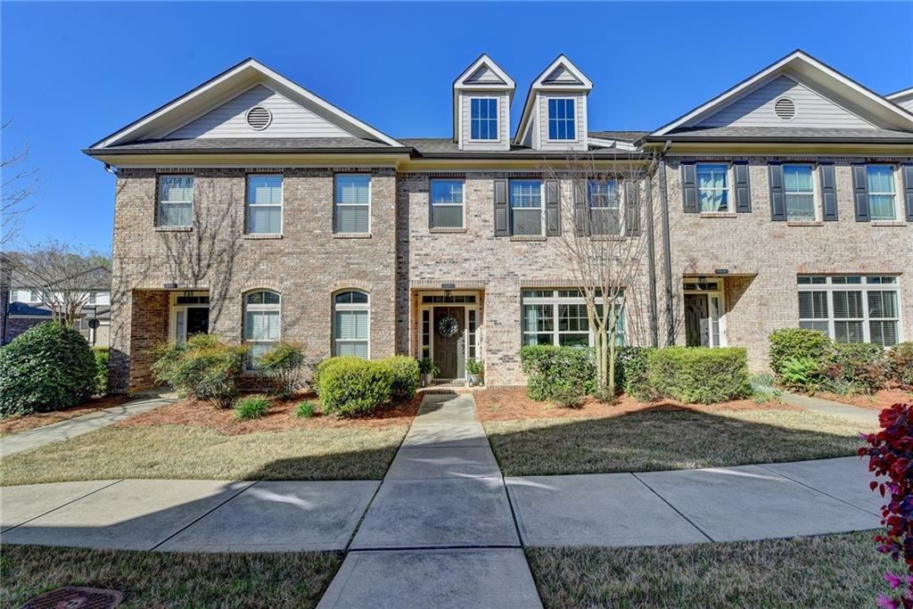 Photo of 8025 Pierpoint Lane, Alpharetta, GA 30005 (MLS # 6864390)