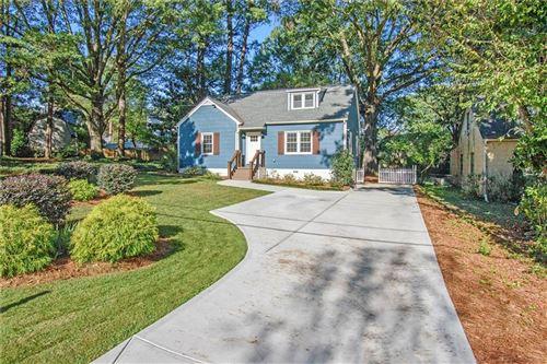 Photo of 2390 Woodridge Drive, Decatur, GA 30033 (MLS # 6959415)