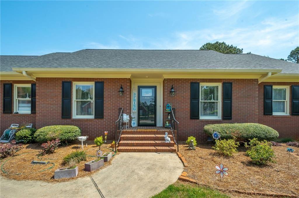 Photo of 3648 Maple Forge Lane, Gainesville, GA 30504 (MLS # 6866420)