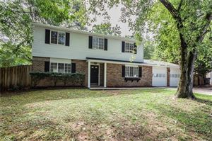 Photo of 1305 Mission Hills Court, Roswell, GA 30076 (MLS # 6642421)