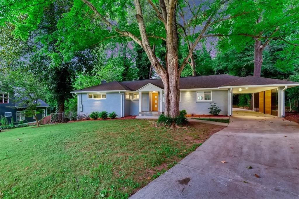 Photo of 1302 Poplarcrest Circle SE, Atlanta, GA 30316 (MLS # 6944425)