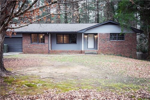 Photo of 4422 Lakeridge Circle SW, Atlanta, GA 30331 (MLS # 6659457)