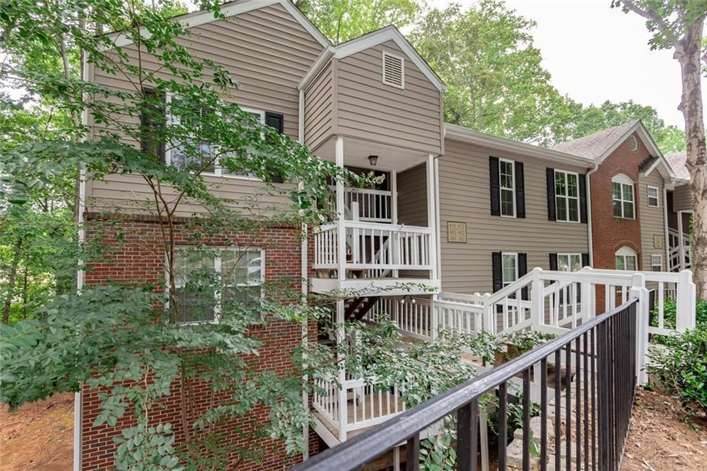 Photo for 412 Teal Court, Roswell, GA 30076 (MLS # 6607540)