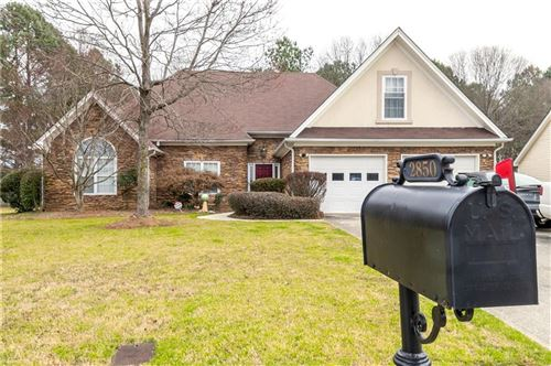 Photo of 2850 MEADOW GATE Way, Loganville, GA 30052 (MLS # 6647560)