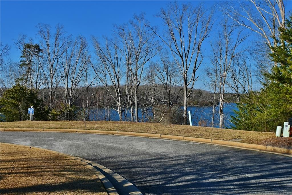 Photo of 3590 Water Front Drive, Gainesville, GA 30506 (MLS # 5329565)