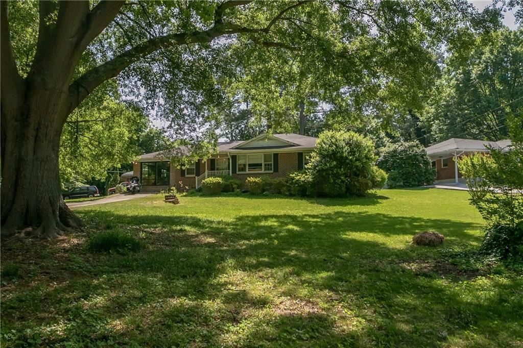 Photo for 1907 Canmont Drive, Brookhaven, GA 30319 (MLS # 6598591)
