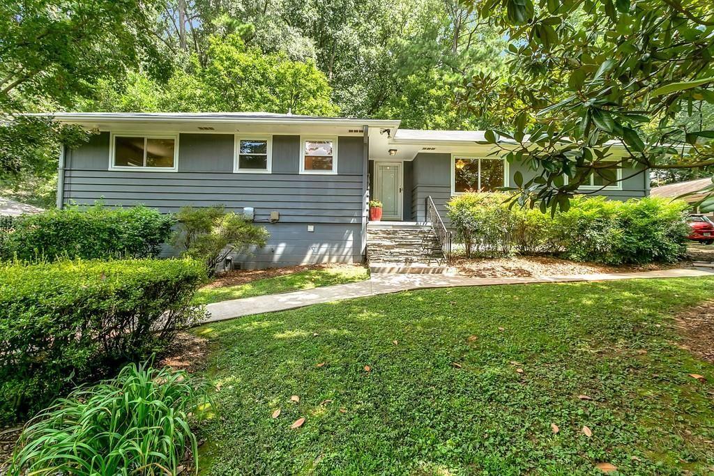 Photo of 863 Barton Woods Road NE, Atlanta, GA 30307 (MLS # 6778627)