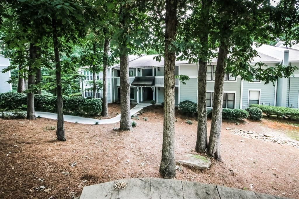 Photo for 604 Summit North Drive NE #604, Atlanta, GA 30324 (MLS # 6572647)