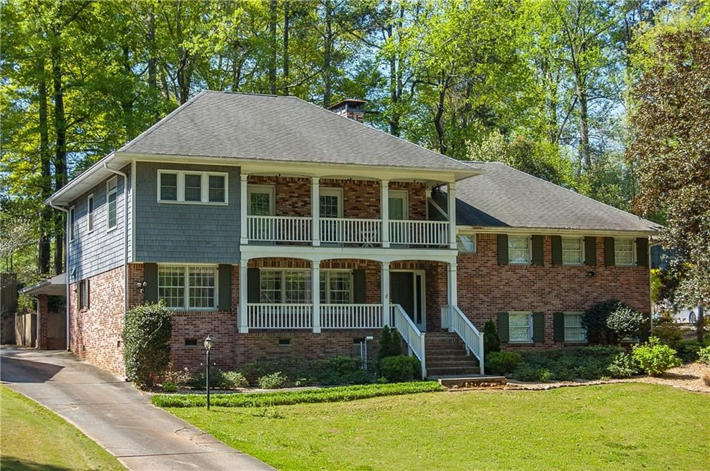 Photo of 822 Pinetree Drive, Decatur, GA 30030 (MLS # 6857649)