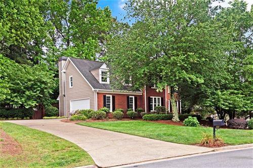 Photo of 810 Devenish Lane, Roswell, GA 30075 (MLS # 6731651)
