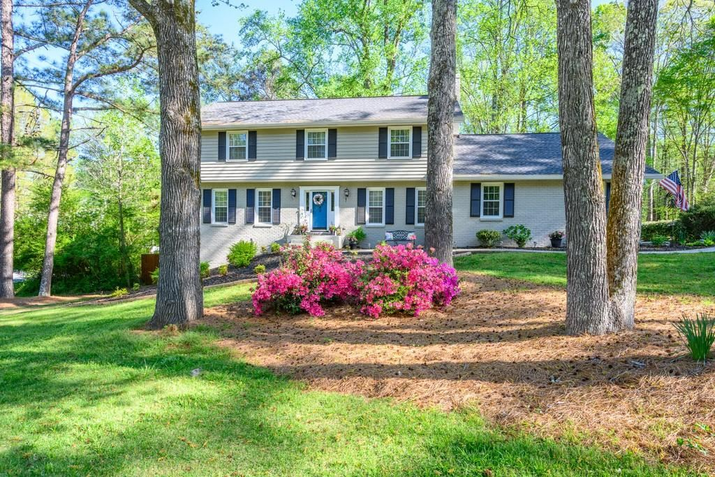 Photo of 940 Wordsworth Drive, Roswell, GA 30075 (MLS # 6868653)