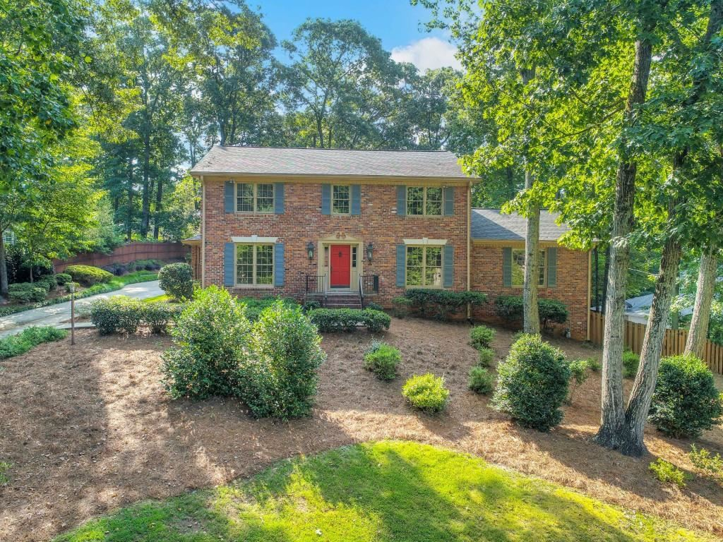 Photo for 1736 Tamworth Court, Dunwoody, GA 30338 (MLS # 6584659)