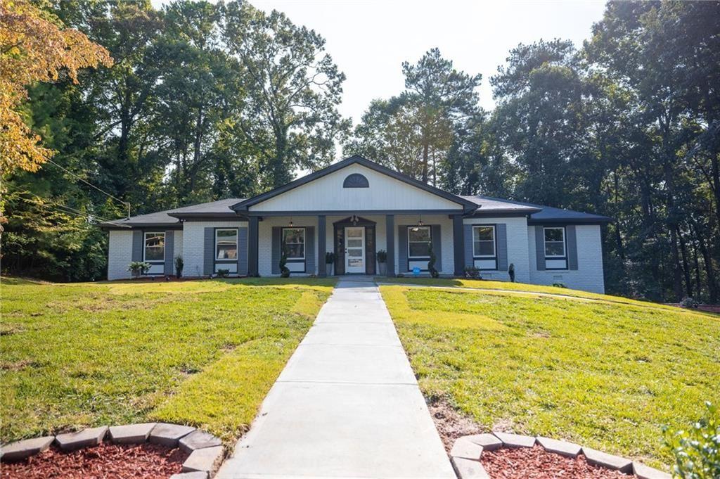 Photo of 2410 CRESTKNOLL Circle, Decatur, GA 30032 (MLS # 6944660)