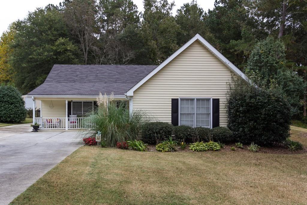 Photo of 610 Doe Lane, Loganville, GA 30052 (MLS # 6800663)