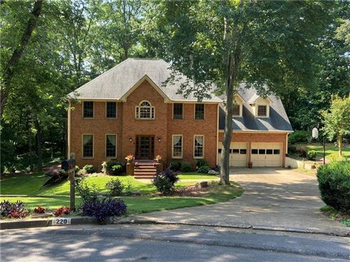 Photo of 220 Riding Trail Court, Roswell, GA 30075 (MLS # 6732670)