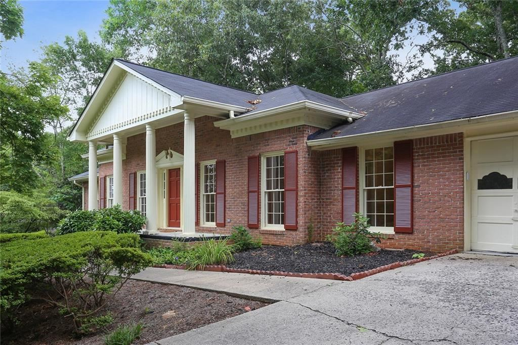 Photo for 475 Wickerberry Lane, Roswell, GA 30075 (MLS # 6572672)