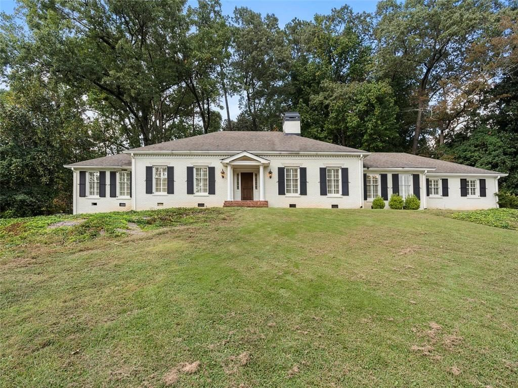 Photo of 925 West Paces Ferry Road NW, Atlanta, GA 30327 (MLS # 6948696)