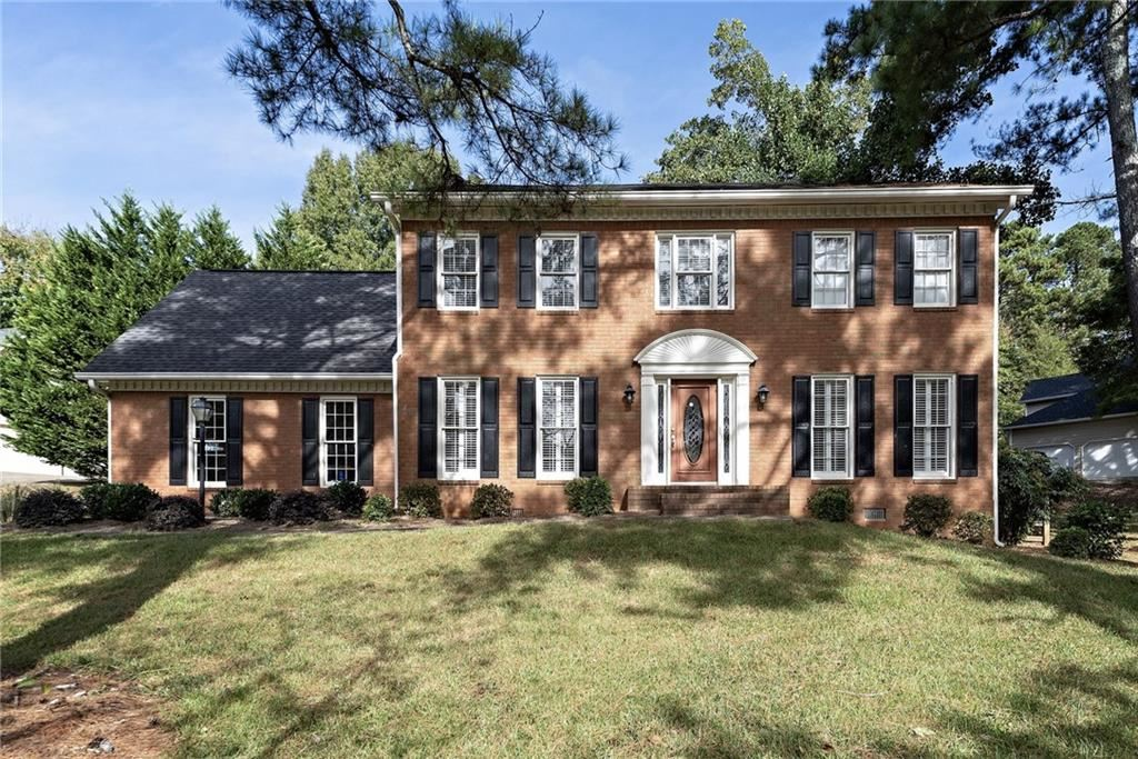 Photo for 4307 Rocky Glen NE, Roswell, GA 30075 (MLS # 6634735)